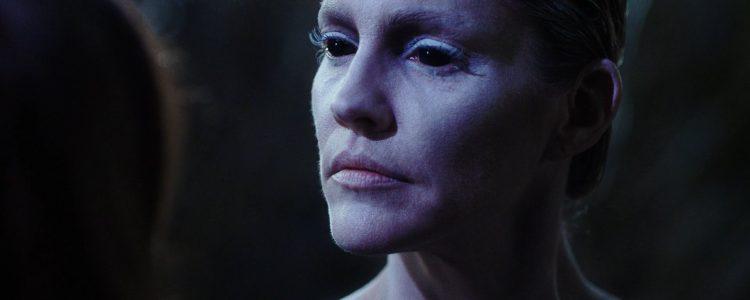 Tricia Helfer In Van Helsing 4.07 Metamorphosis
